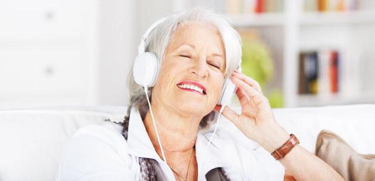 Что подарить бабушке на Новый год 2018 - музыку