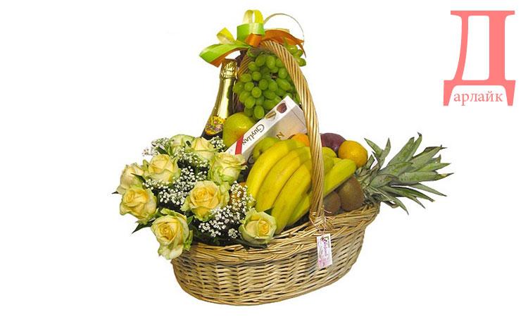 Что можно подарить маме на день рождения - цветы и фрукты