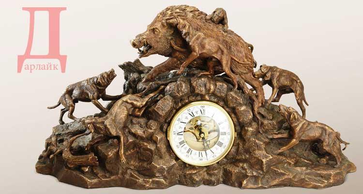 Каминные часы «Охота на кабана»