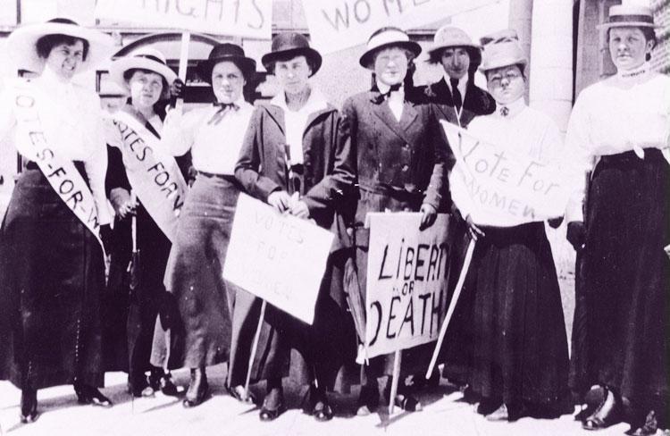Демонстрация женщин в Америке в 1908 году