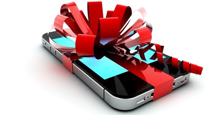 Подарок на 8 марта девушке смартфон