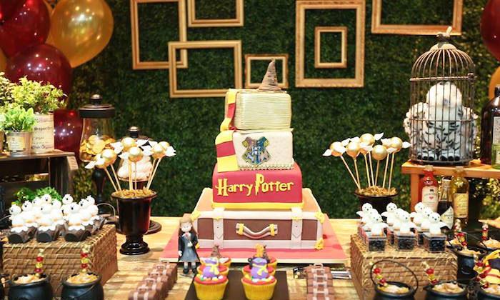 Праздничный стол на праздник в стиле Гарри Поттер