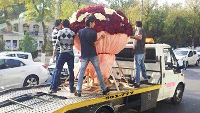 Огромный букет любимых цветов
